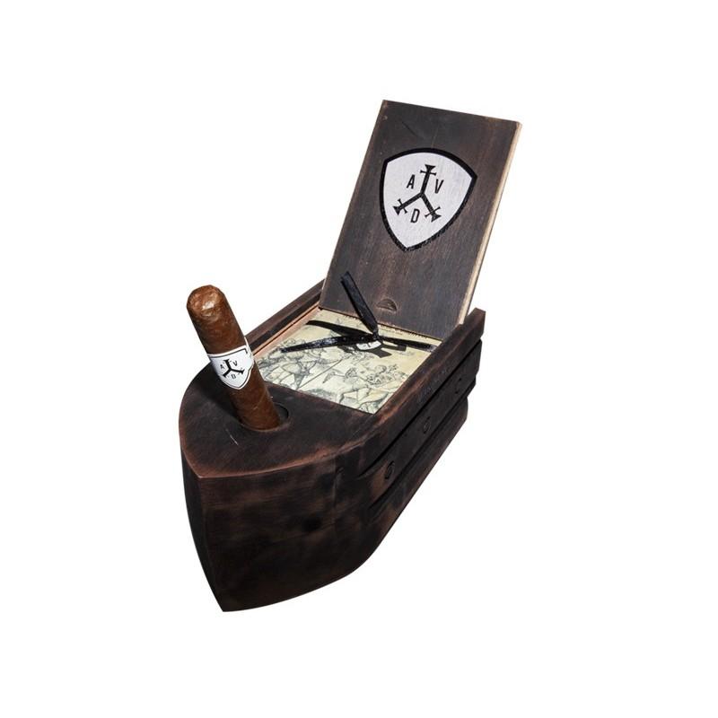 Adventura The Conqueror Marinero Schiff Kiste