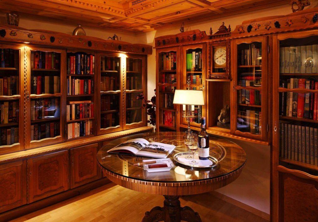 Schlosshotelchastetarasp.jpg